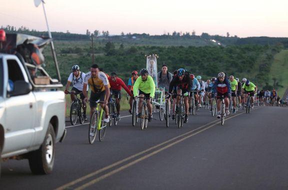 Ciclistas posadeños ya partieron hacia la Basílica de Itatí