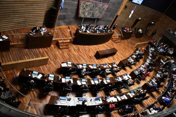 Los diputados provinciales vuelven a sesionar en el recinto