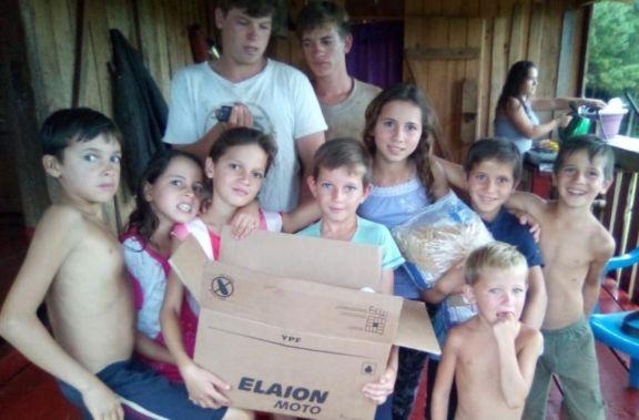 Fracán: familia que cría a 12 menores continúa recibiendo ayuda