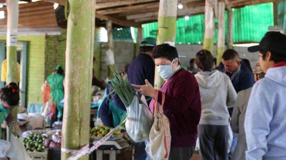 Ferias francas en Posadas entre la emergencia y las ofertas por Jueves Santo