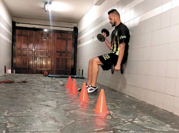 """""""Podemos entrenar  en nuestras casas,  pero no es lo mismo"""""""