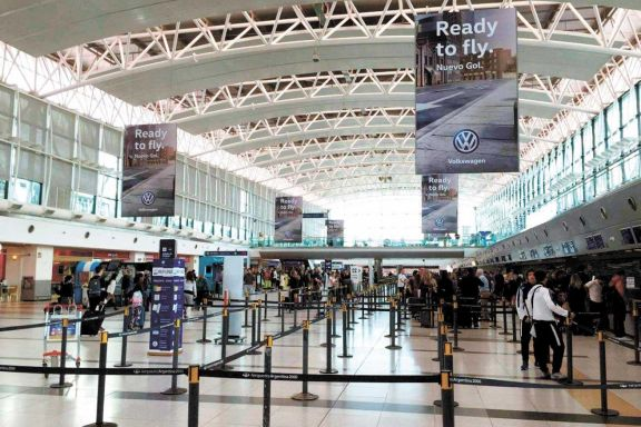 La cepa del Reino Unido llegó a Argentina en un pasajero proveniente de Frankfurt