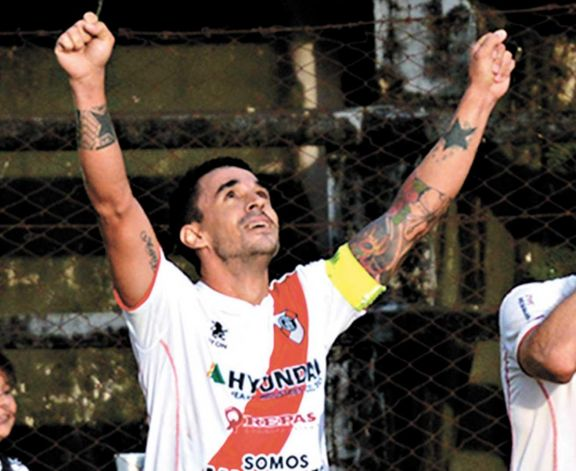Está todo dado para el regreso de Cristian Barinaga a Guaraní.
