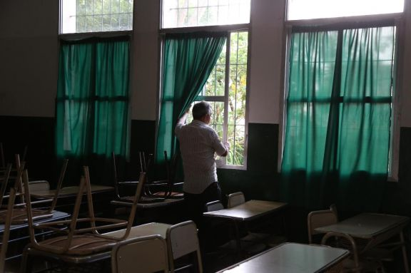 Las aulas permanecen vacías, pero esto no sería así por mucho tiempo más