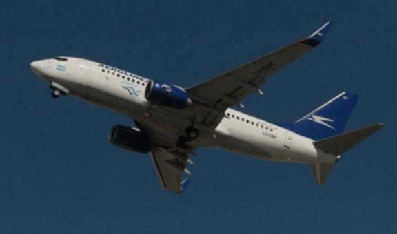 Analizan pasaporte sanitario para reanudar vuelos de cabotaje