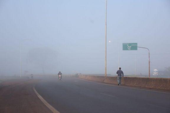 Posadas amaneció cubierta por una densa neblina
