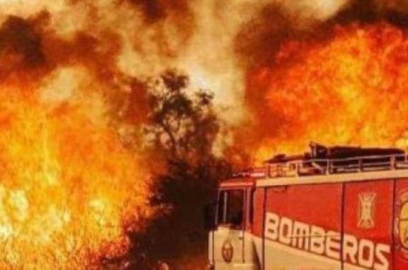 Voraz incendio en aserraderos y campos en cercanías de Villa Olivari