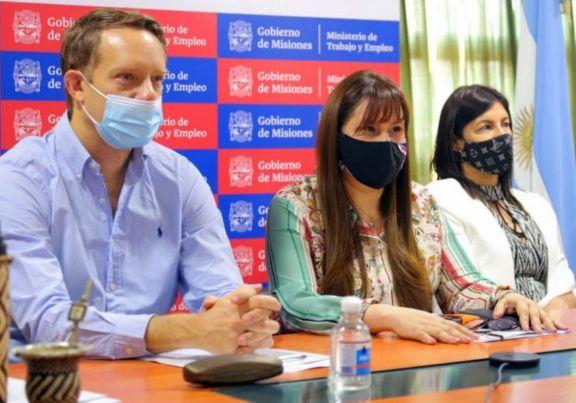 Firman convenio para el tratamiento integral de violencia laboral