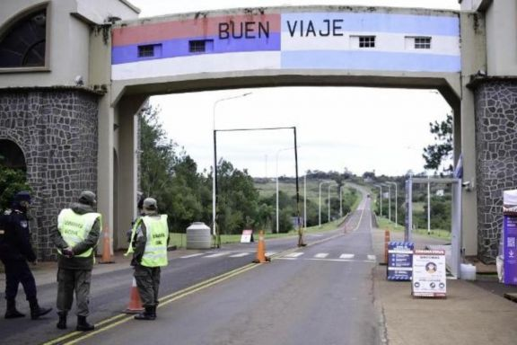 Arrestado y en cuarentena: pasajero de taxi entró a Misiones con DNI de otra persona