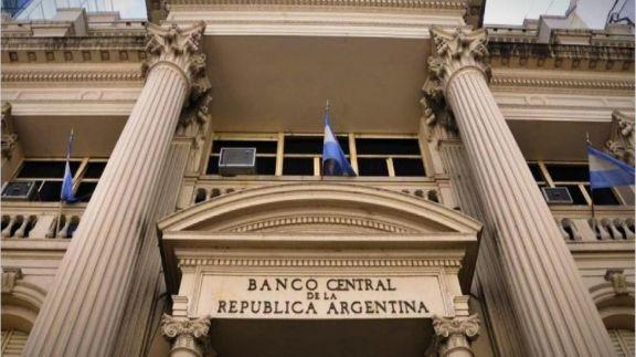 El Banco Central liberó las transferencias entre cuentas en moneda extranjera