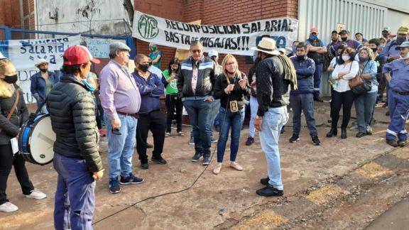 Empleados municipales de Oberá aceptaron el convenio salarial y levantaron la huelga