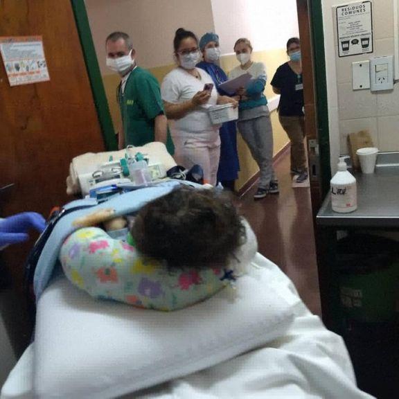 Bebé con extraña enfermedad fue derivado al Italiano con esperanzas de un tratamiento