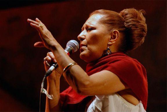 Los restos de Ramona Galarza llegarán mañana a Corrientes