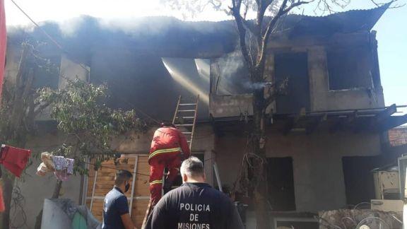 Auxiliaron a una familia que sufrió el incendio de su hogar en Garupá