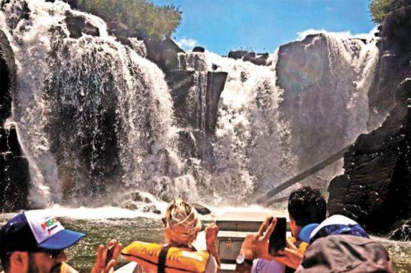 Reglamentan ley de sostenimiento y reactivación productiva del turismo