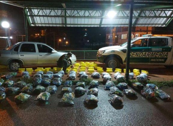 Gendarmería secuestró mercadería de contrabando en Pozo Azul