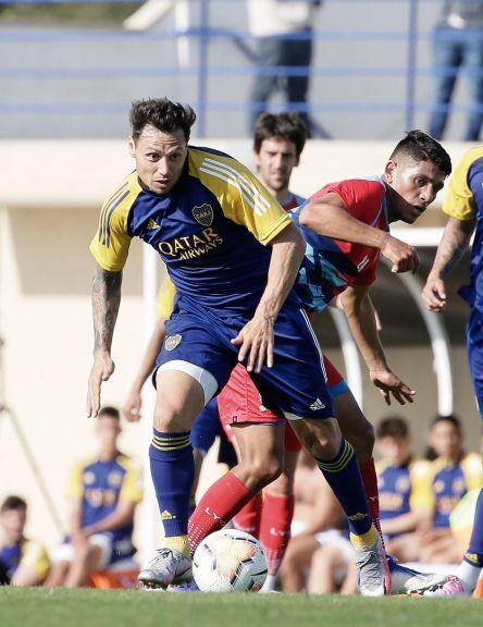 Boca: Se lesionó Zárate y volvió  a jugar Villa