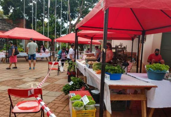 Feria por el Día de la Madre y Mujer Rural en Eldorado