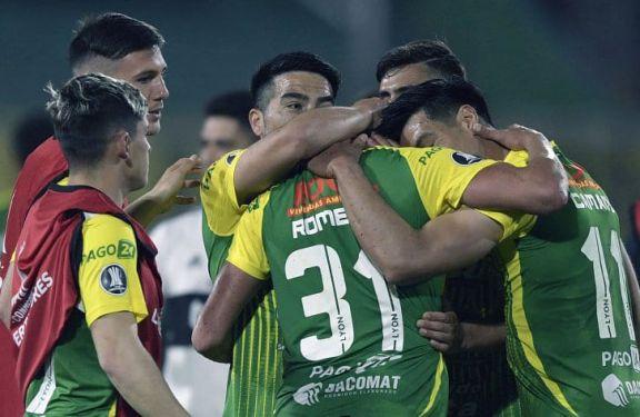 Libertadores: Defensa buscará la clasificación a octavos en Brasil
