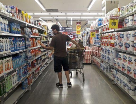 Canasta básica creció 3,8% en septiembre: una familia necesitó $47.216 para no ser pobre