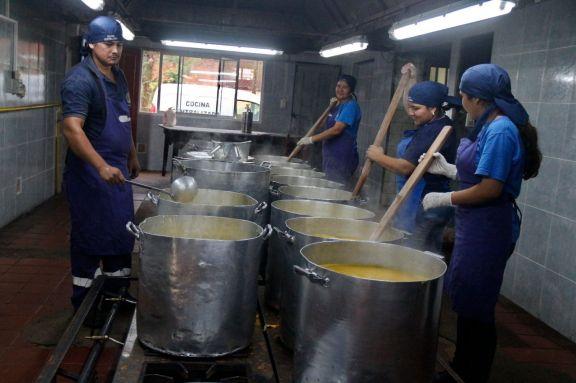 Oberá: 350 mil raciones de alimentos se cocinó en lo que va de la pandemia