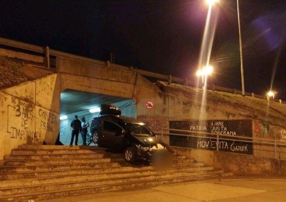 Conductor quedó atrapado en túnel por eludir control
