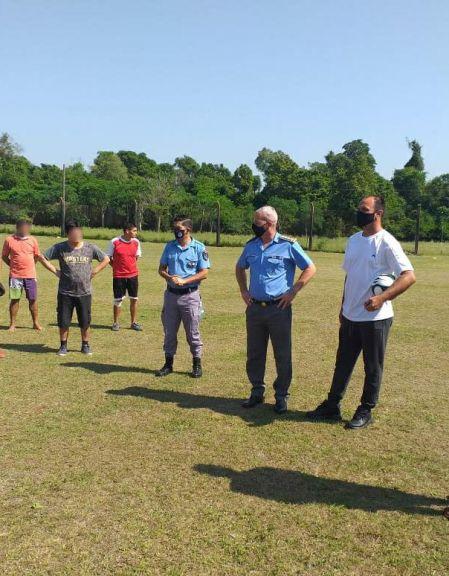 El experimentado Gustavo Semino dicta clínica de fútbol en Unidades Penales