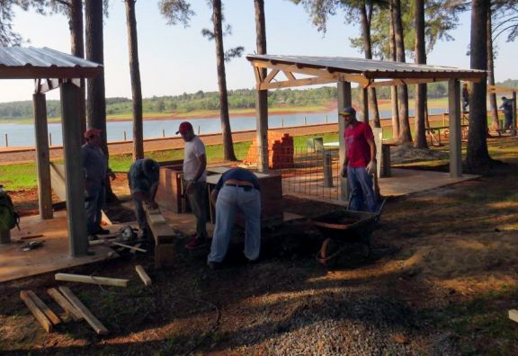 Nuevos quinchos y piscina en el Parque Acuático y Ecoparque Uruguaí