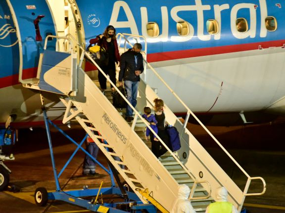 Aerolíneas tomará medidas contra pasajeros que siendo positivos de Covid-19 suban al avión