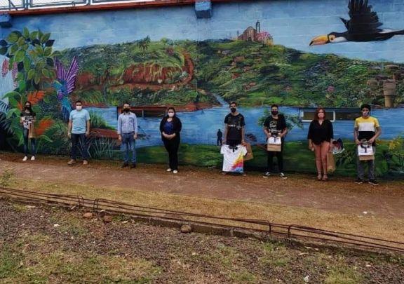 Piray estrena mural en el marco de su Aniversario N° 146