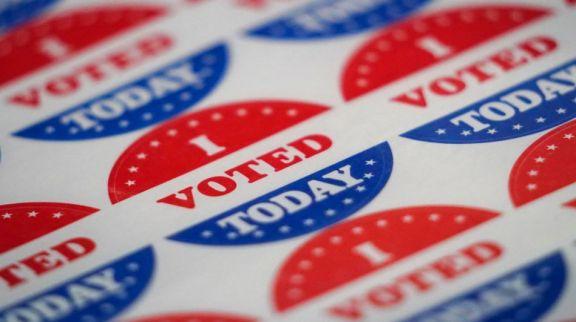 Elecciones en EEUU: una mujer fue a votar durante el trabajo de parto