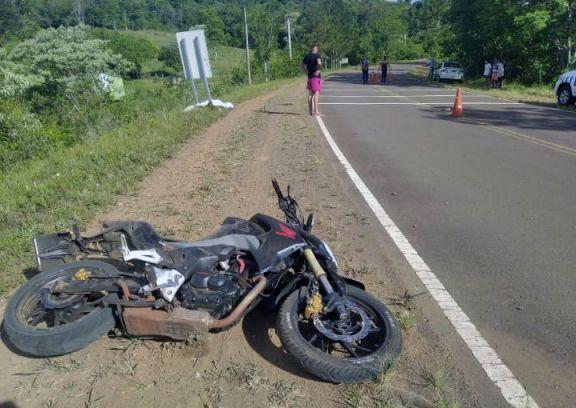 Despiste en El Soberbio: murió una joven que viajaba de acompañante en una moto