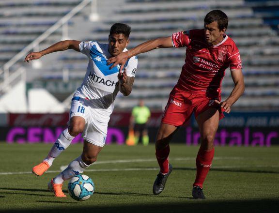 Vélez rescató un empate ante Huracán