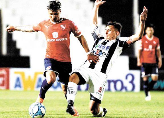 Sudamericana: el Rojo quiere pisar fuerte en Uruguay
