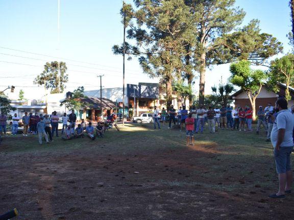 Amplia concurrencia de productores en reunión por temor a usurpación de tierra en San Pedro