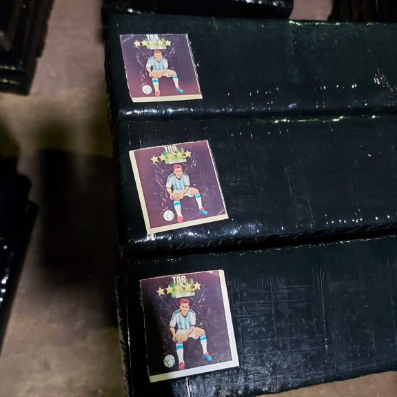 Figuras de Messi aparecieron en los panes de una carga narco que salió de Misiones