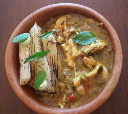 Una increíble receta de Pollo al curry con mandioca
