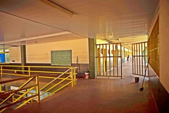 Las instituciones educativas que no aseguren las condiciones podrán seguir en la virtualidad