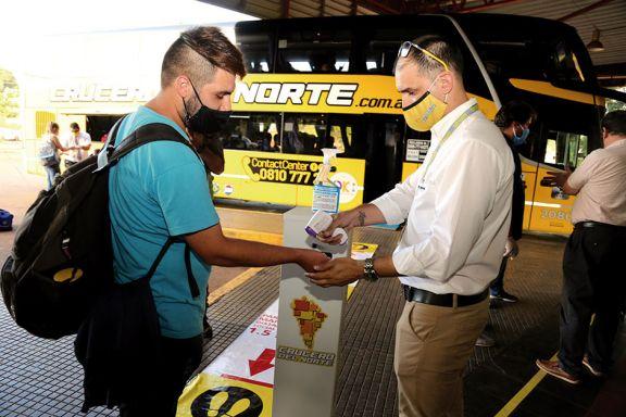 Con 22 pasajeros salió el primer micro a Buenos Aires
