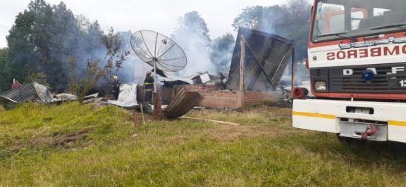 Dos incendios, dos casas consumidas por el fuego