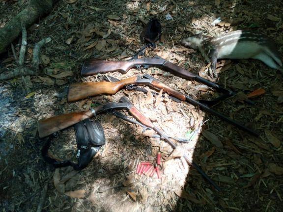 Tres detenidos y varios elementos secuestrados en operativo contra cazadores furtivos