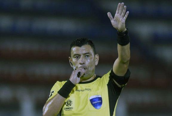 Tobar a Boca y Rojas a River: los árbitros designados para los octavos de la Libertadores
