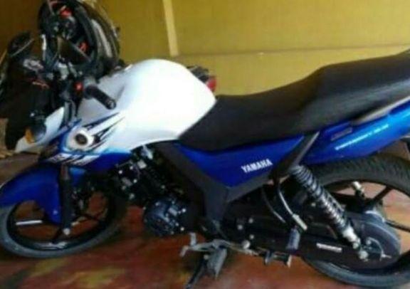 A mano armada, le robaron su motocicleta al salir de su trabajo en Montecarlo