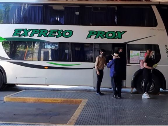 Con 17 pasajeros desde El Soberbio a Posadas, volvieron los micros de media distancia