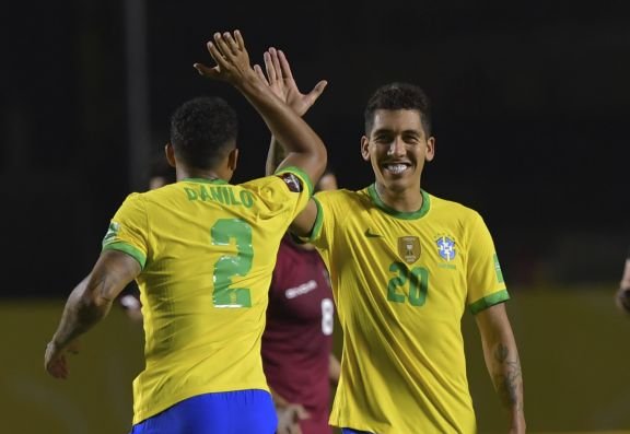 Brasil tuvo efectividad y sin sobresaltos superó a Uruguay en las eliminatorias