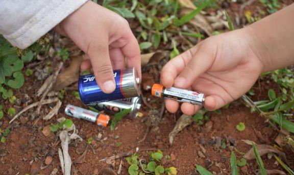 San Pedro: proponen colocación de contenedores para depositar pilas y colillas de cigarrillo