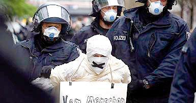 Disturbios en marcha antirrestricciones