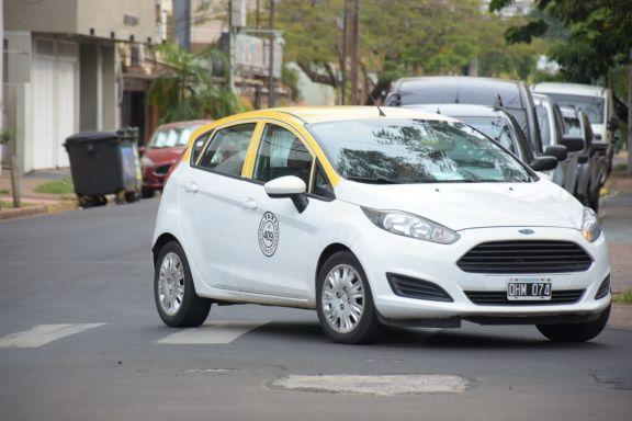Taxis: aprueban suba del 35% y la bajada de bandera costará 55 pesos en Posadas