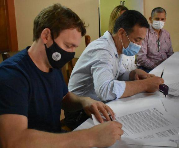 Firman convenio para capacitar a jóvenes mediante la plataforma Guacurarí