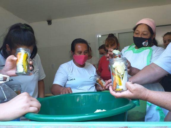 San Pedro: mujeres rurales se capacitaron en elaboración de envasados